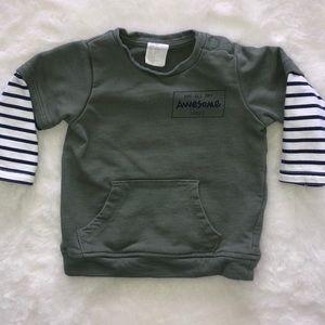H&M green sweatshirt size 6-9 months.